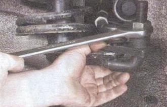 Выпрессовываем рулевой наконечник ВАЗ 2109