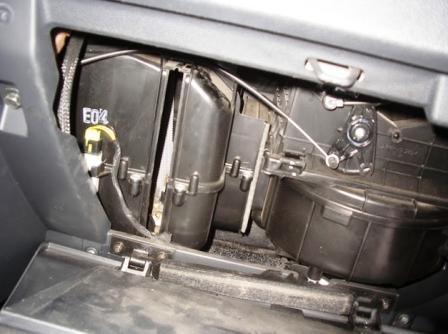меняем салонный фильтр Hyundai Getz