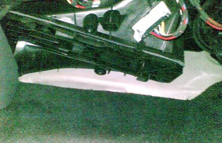 Снимаем крышку салонного фильтра Volkswagen Golf V