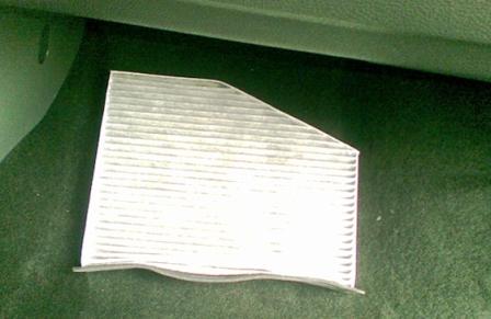 Старый салонный фильтр Volkswagen Golf V