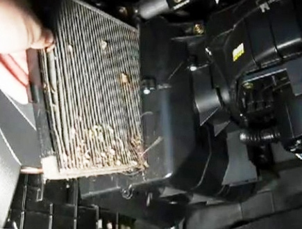 замена салонного фильтра chevrolet aveo 2012