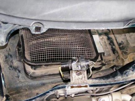 Снимаем салонный фильтр Volkswagen Passat B4