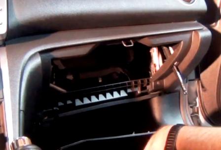 Снимаем бардачок Mazda 6 II NEW