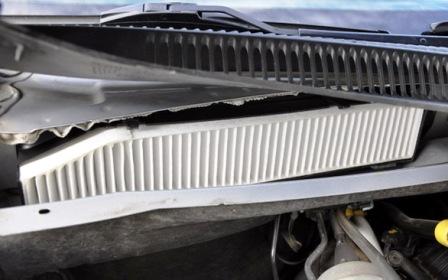 Вставляем салонный фильтр Jeep Grand Cherokee II