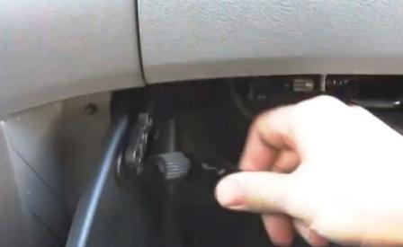 Снимаем крепление Honda Odyssey III