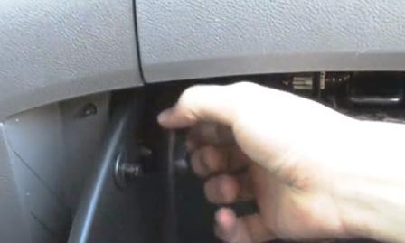 Убираем направляющую Honda Odyssey III