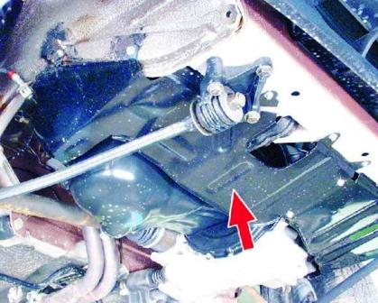 Откручиваем защиту двигателя ВАЗ 2108, 2109, 21099