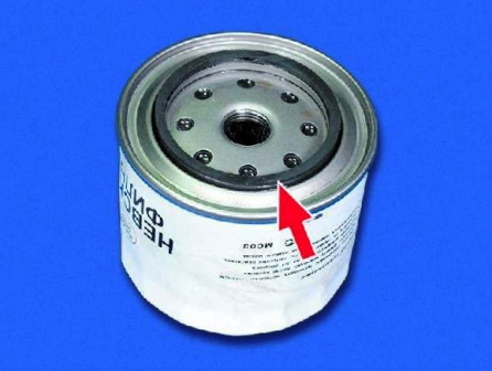 Заливаем масло в масляный фильтр ВАЗ 2108, 2109, 21099