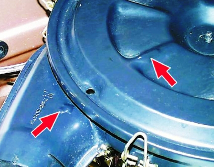 Закрываем крышку воздушного фильтра ВАЗ 2108, 2109, 21099
