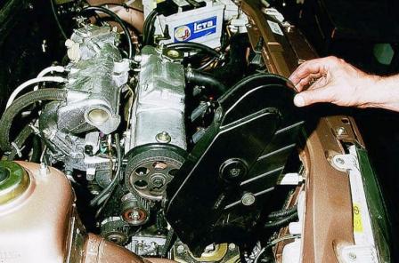 Снимаем крышку защиты ремня ГРМ ВАЗ 2110, 2111