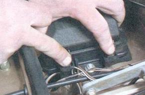 Снимаем крышку предохранителей ВАЗ 2108, 2109, 21099
