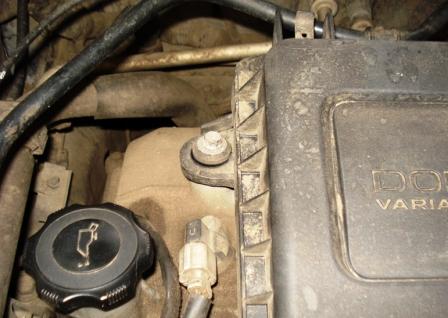 Второй болт блока воздушного фильтра Mazda 3 1.6