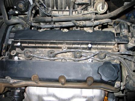 Снимаем крышку и видим высоковольтные провода Chevrolet Lacetti