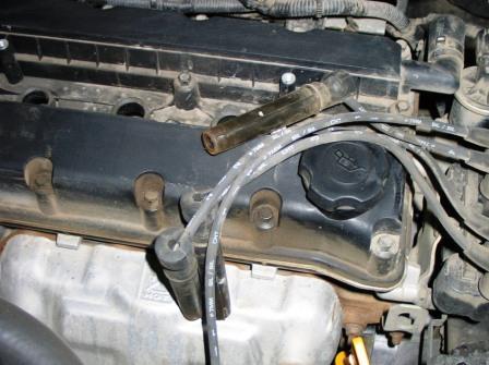 Вытаскиваем катушки колпачков Chevrolet Lacetti