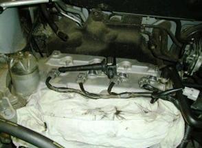 Откручиваем и вытаскиваем катушки зажигания Nissan Qashqai