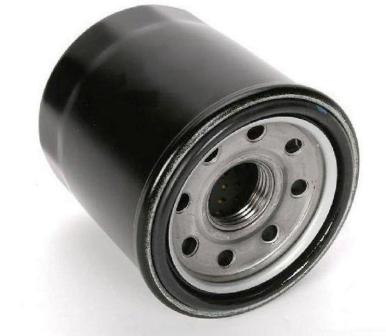 Заливаем масло в фильтр ВАЗ 2107