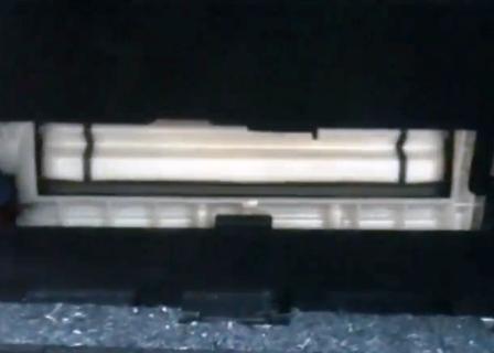 Снимаем шторку за салонным фильтром Lexus GSIII