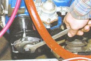 Снятие и замена масляного фильтра ВАЗ 2106