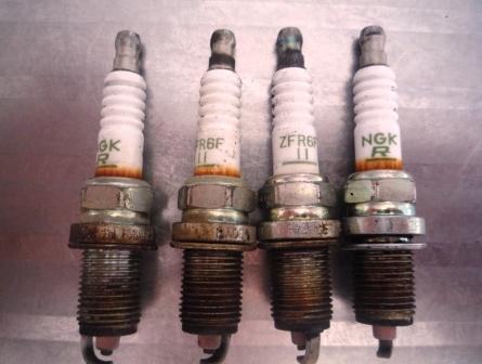 Замена свечей зажигания Honda CR-V II