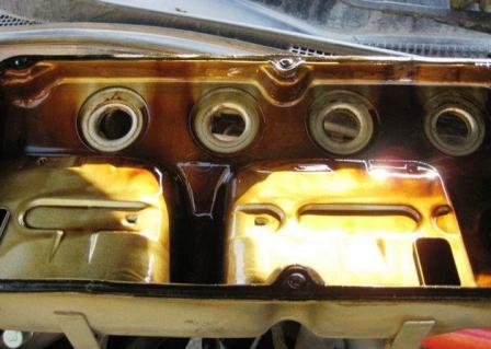 Клапанная крышка Mitsubishi Lancer IX