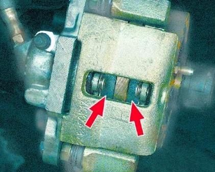 Проверяем состояние передних тормозных колодок ВАЗ 2108, 2109, 21099