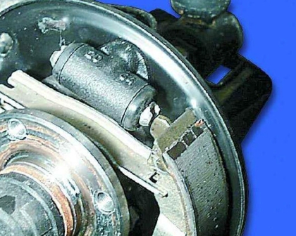 Устанавливаем новые тормозные колодки ВАЗ 2108, 2109, 21099