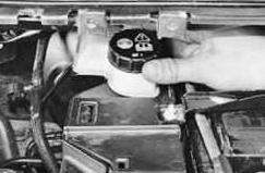 Доливаем тормозную жидкость Ford Focus 2