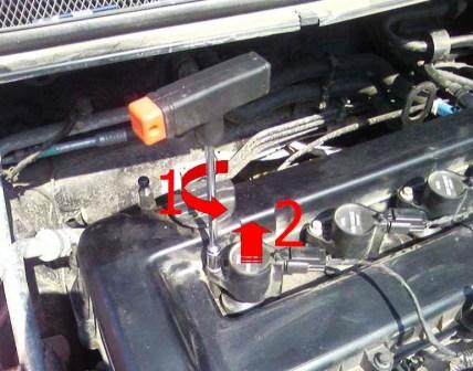 Откручиваем катушку зажигания Ford Focus 2