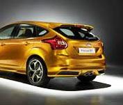 Снятие и замена заднего спойлера Ford Focus 3
