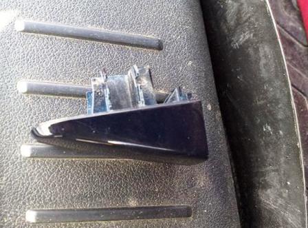 Снятая передняя накладка Ford Focus 2