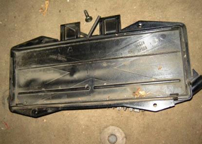 Крышка салонного фильтра Volvo XC90