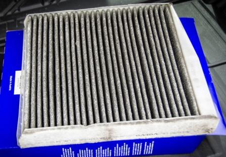 Снятие и замена салонного фильтра Volvo XC90