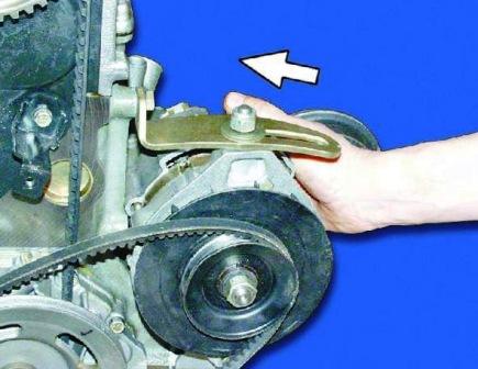 Двигаем генератор в сторону двигателя ВАЗ 2108, 2109, 21099