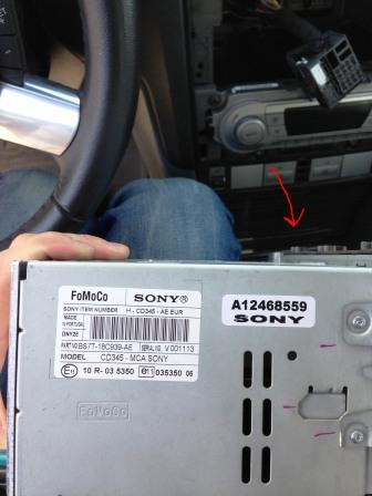Подключаем разъем на новой магнитоле Ford Focus 2