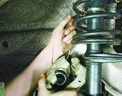 Снимаем тормозной суппорт ВАЗ 2108, 2109, 21099