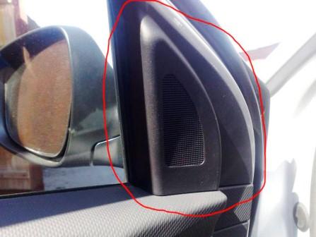 Снимаем панель на двери Hyundai Solaris