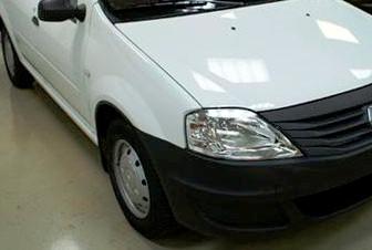 Снятие и замена ламп ближнего и дальнего света на Renault Logan
