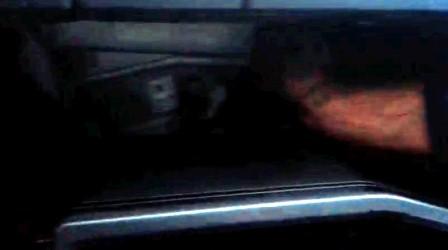 Откидываем бардачок Toyota Corolla 300N/MC