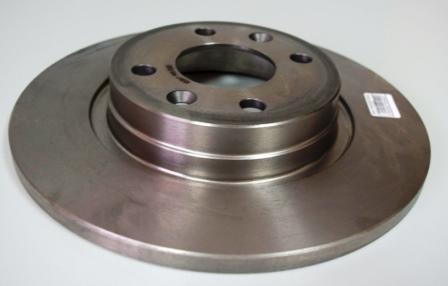 Снятие и замена передних тормозных колодок и дисков Renault Sandero