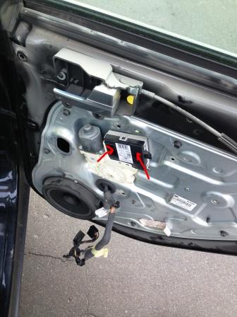 Отключаем все разъемы на Ford Focus 2