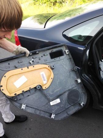 Снимаем карту двери на Ford Focus 2