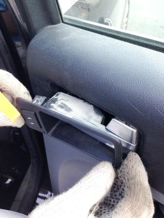 Снимаем внутреннюю ручку Ford Focus 2