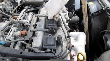 Откручиваем катушку зажигания Toyota Camry V 3.0 V6