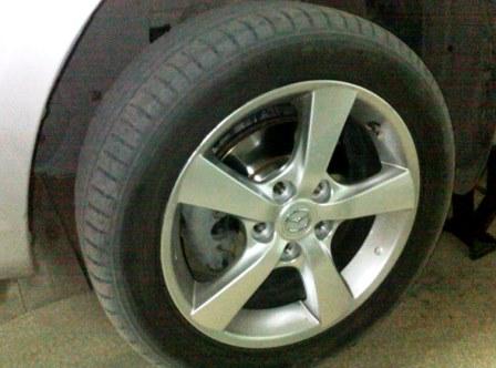 Снимаем переднее колесо Mazda 3