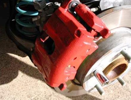 Снимаем тормозной суппорт Mazda 3