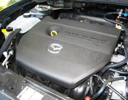 Снимаем пластиковую защиту двигателя Mazda 3 2.0