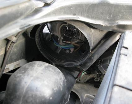 Откидываем пружинку в сторону Nissan Almera Classic
