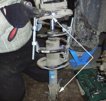 Положение пружины при сборке новой стойки Nissan Almera Classic