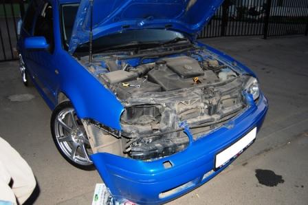 Снимаем передний бампер на себя Volkswagen Golf IV