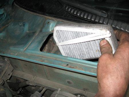 Установка нового салонного фильтра Chevrolet Lanos